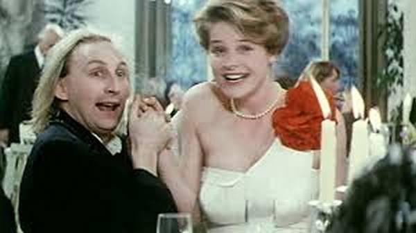Der ostfriesische Blödelbarde Otto Waalkes im 1985 seinen ersten Kinobeitrag, OTTO - der Film. Jetzt ist die Eintracht an der Reihe.